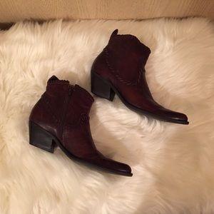 Gianni Bini Booties   Size 7 1/2   Brown Leather